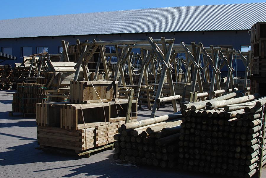 Drewtrans - wyroby ogrodowe - składowanie